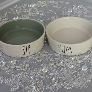 Rae Dunn, Set of 2 Small Pet Bowls.